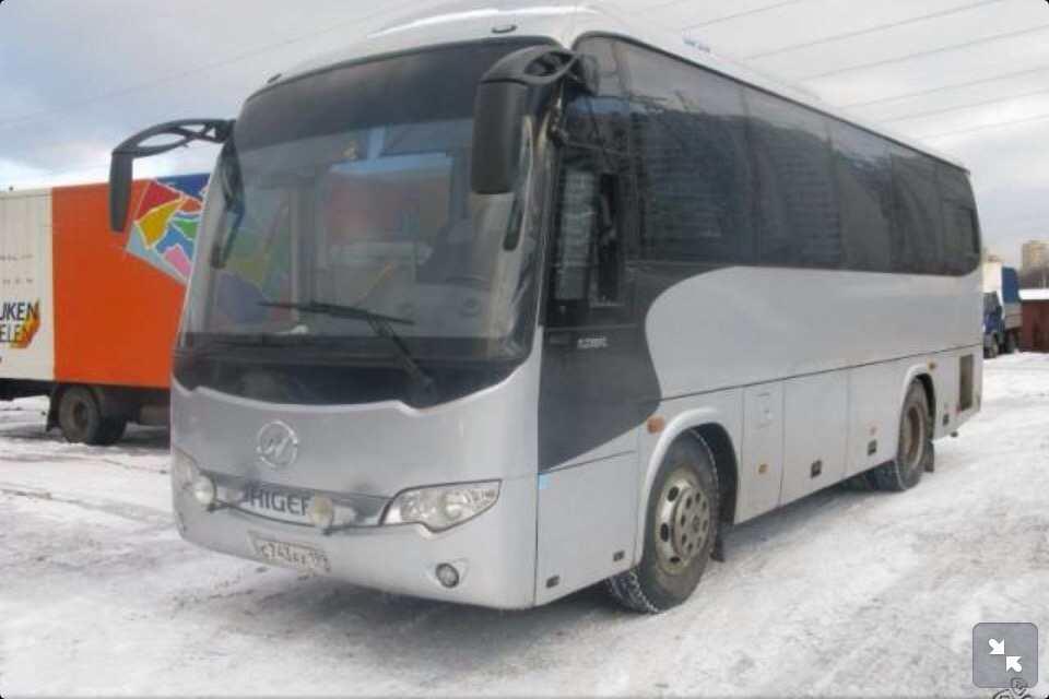 Автобус Higer. Вместимость 35 человек.